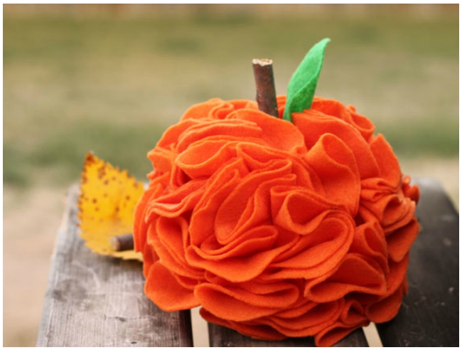 Zoom: Felt Pumpkins